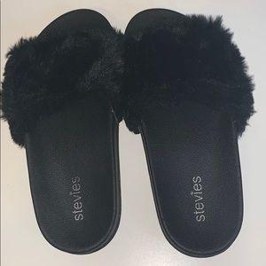 Girls Stevie's fuzzy sandals